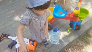 FATİH SELİM PARKTA SU SIKIYOR |Fatih Selim Parkı Ipıslak yapıyor |eğlenceli çocuk videosu