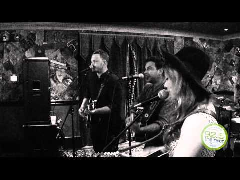 """RMH -The Lone Bellow """"Bleeding Out"""""""