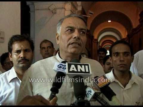 Ministers talks on Kashmir issue