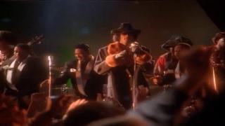 Snoop Dogg Ft. The Dramatics & Tha Dogg Pound - Doggy Dogg World (Official Video HD)(Audio HD)