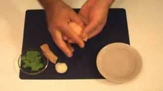 Готовим вместе. Суши с лососем. Видео урок.