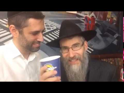 Avraham Fried talks with Ari Goldwag
