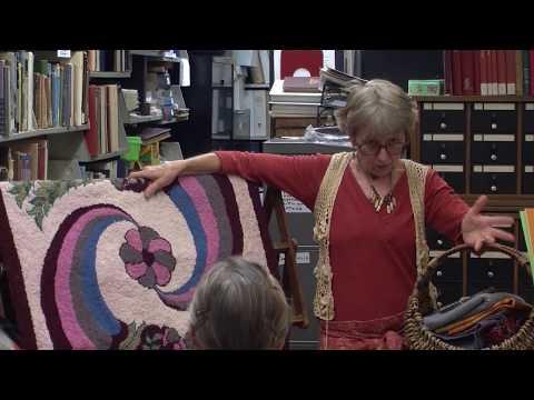 Rug Hooking: Basic Ways In Which To Use Wool In Hooked Designs (Beth MacRae)