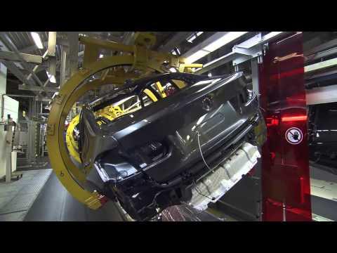 Observa todo el proceso de fabricación del nuevo BMW F30 3-Series.