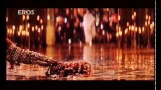 ШАХ РУКХ КХАН и  мадхури  душит танец  мадхури  из фильма  девдас❤  индия