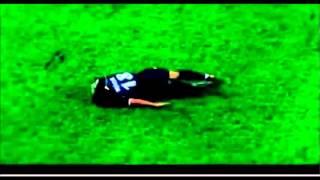 【サッカー】笑ったら負け!シュミレーション演技が大げさ過ぎる珍プレー集 thumbnail