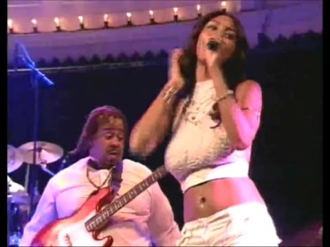 Dance Dance Dance (Live) - Chic in Amsterdam 2004 [HQ Audio]