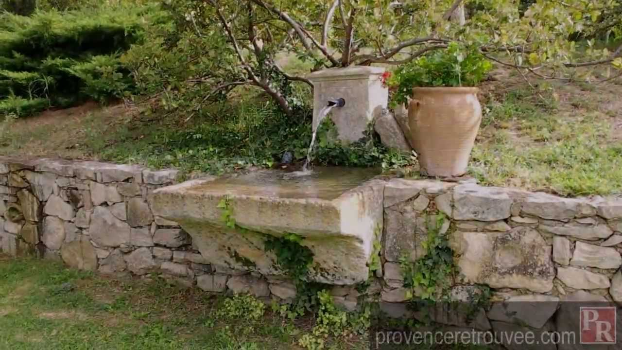 fontaine de jardin en pierre ancienne. Black Bedroom Furniture Sets. Home Design Ideas