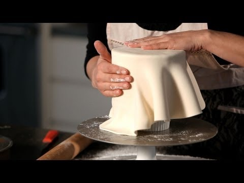 how-to-cover-a-cake-in-fondant-|-wedding-cakes