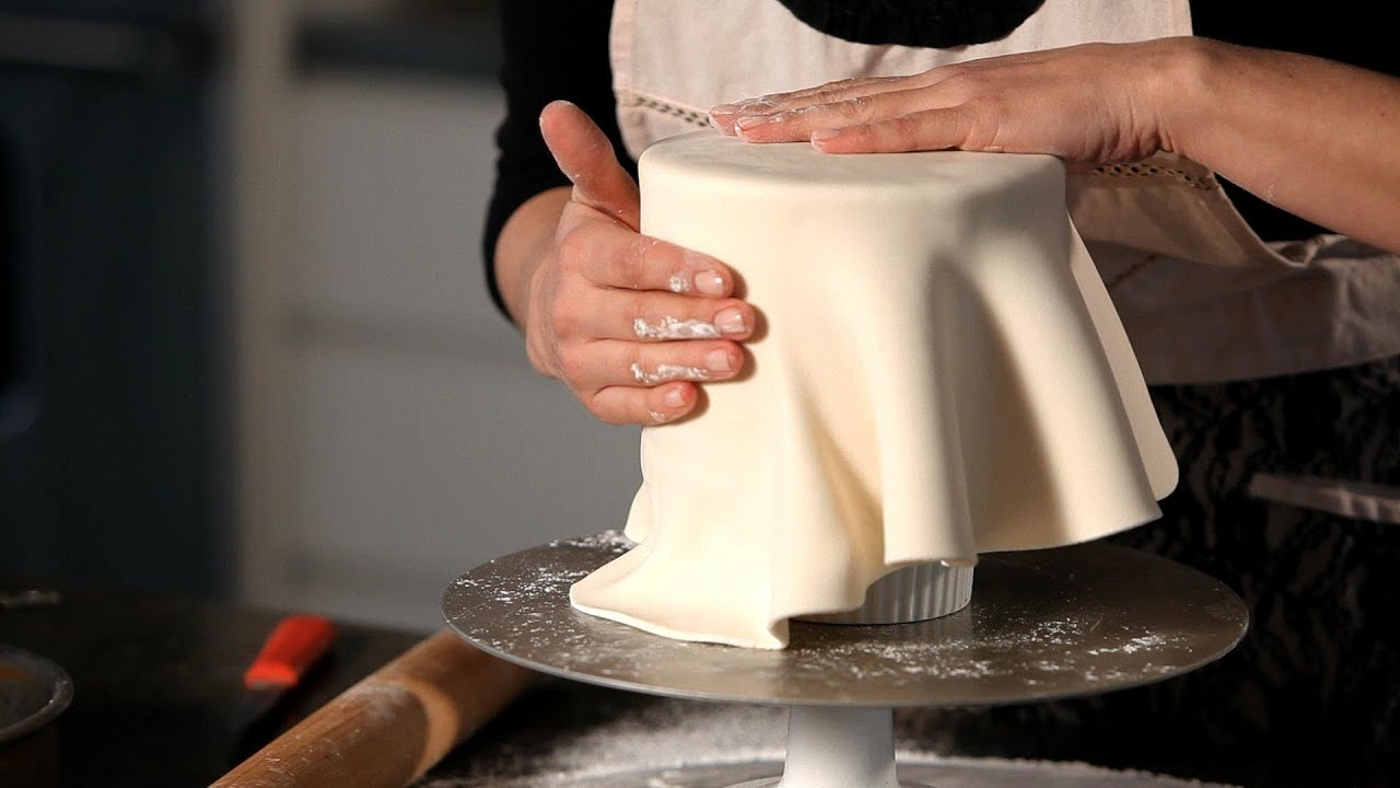 how to make the best wedding cake frosting how to cover a cake in fondant wedding cakes 16000