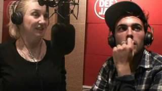 Marco Mengoni - La canzone di Natale @ Pinocchio Provini (Radio Deejay, 22/12/2010)