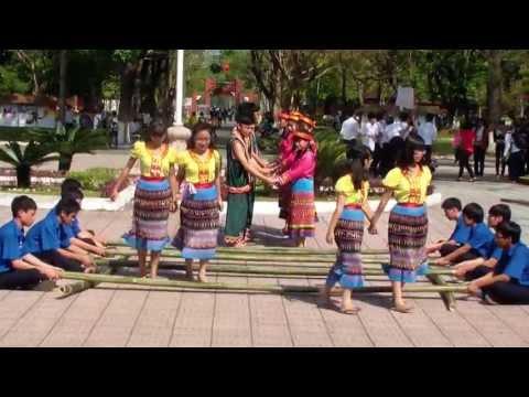 Giải nhất nhảy sạp - 11B7 - HBT huế - 2012_2013