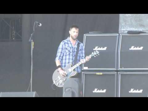 Dropkick Murphys - Don't Tear Us Apart @ Rock Werchter 03-07-2014  HD