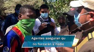 """Migrantes haitianos que acampaban en el parque Braulio Fernández Aguirre, de Ciudad Acuña, despertaron ayer con un operativo de """"disuasión"""", en el que no hubo detenidos, pero muchos optaron por cruzar a EU"""