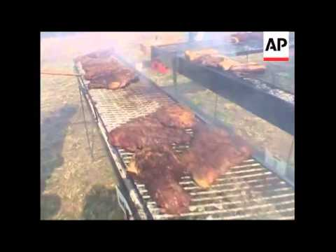 Giant 'asado' traditional bbq enters record books