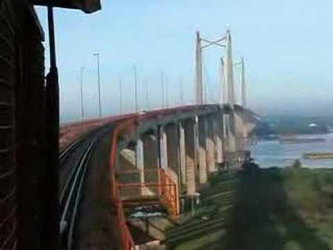 Tratando De Subir El Puente De Zarate