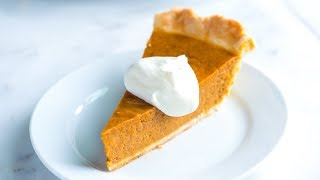 Easy Pumpkin Pie Recipe - Classic Homemade Pumpkin Pie