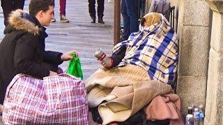 Ayudando a personas sin hogar thumbnail