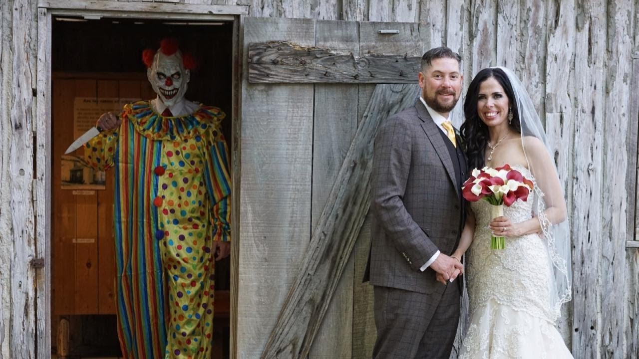 Couple found a clown in their wedding photos pictures
