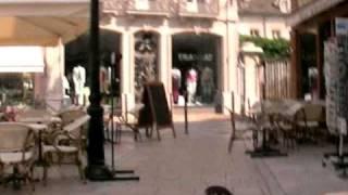 ボーヌの街の繁華街に到着20060620 Beaune