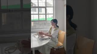 [라뷰] 캔드 브이넥 가디건_올리브 + 리프 레터링 반…