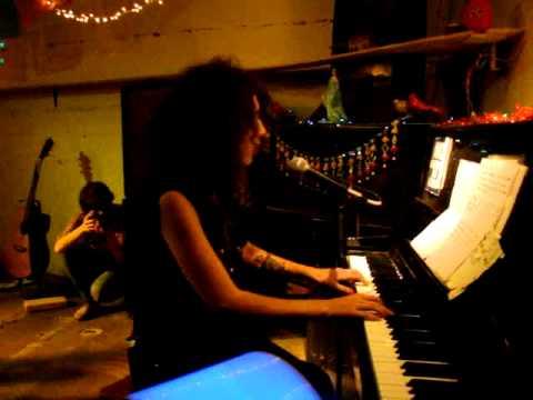 Paula Maffia - Caribou (Pixies Cover) en La Playita
