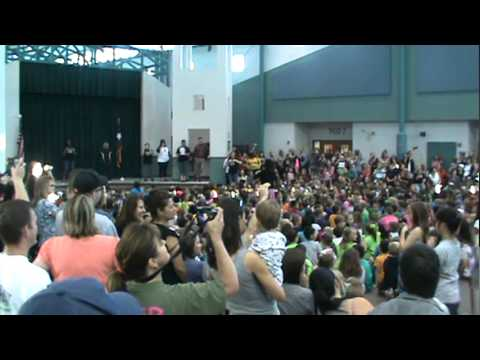 Smith Elementary 'Flash Mob' to Katy Perry's 'Firework'