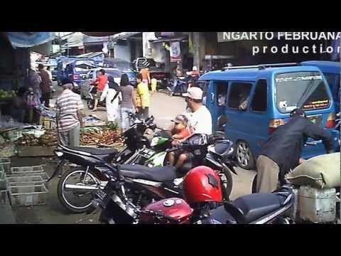 Citayam Traditional Market: Slums and Very Crowded