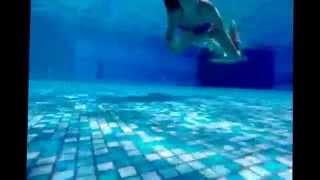 Что делать когда ты в бассейне?;)/Chocolate Milka