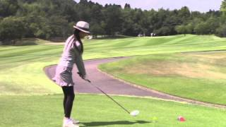 マーク金井と森下千里のゴルフを極める「ゴル極」 ティーアップのコツ 森下千里 検索動画 13