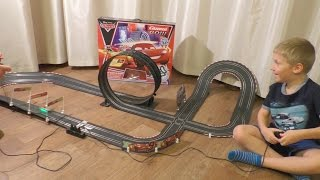 Играем в Автотрек Тачки Carrera GO DISNEY PIXAR, NEON SHIFT'N DRIFT, Машинки Молния vs Франческо