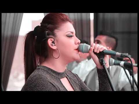 Vuelve - Amaya Hnos (En Concierto)