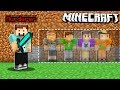 HIDE FROM THE EVIL MURDERER! (Minecraft Murder Mystery)