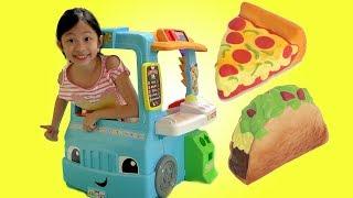 Chloe Pretend Play with Fun Food Truck Toy Fun TV