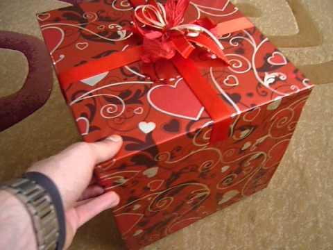 Любимая девочка сделала прикольный подарок на День рождения) - YouTube