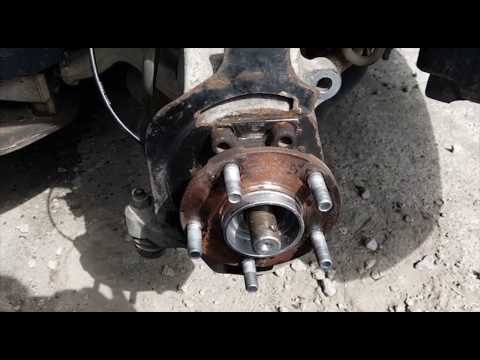 Infiniti M35 –  Front Wheel Bearing Replacement