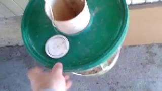 Como fazer um comedouro que não desperdiça milho ou ração, com materiais reciclados