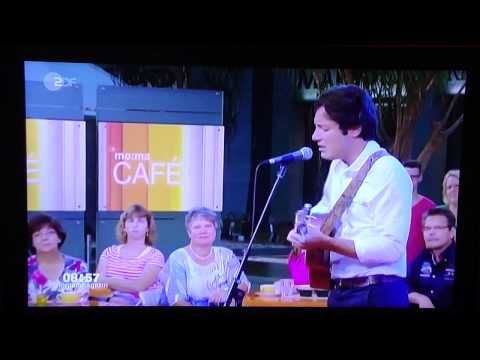 """Vianney Chante """"Pas Là"""" En Allemagne Sur ZDF"""