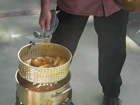 Deep Frying Chicken Wings With Bayou Classic's Aluminum Fish Cooker