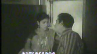 Video Kobori & Razzak on Smritiruku Thuk - Shohor Theke Oneek Dure Cholechi download MP3, 3GP, MP4, WEBM, AVI, FLV Juli 2018