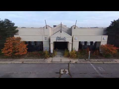 Abandon Mall - Summit Place Mall Pontiac, MI