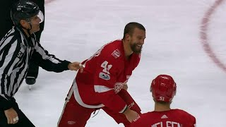 Glendening bloody & smiling after filling in Ekblad during vicious fight