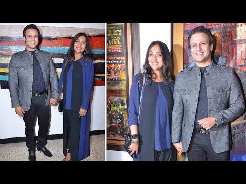 Vivek Oberoi With Wife Priyanka Oberoi Attend Art Gallery Exhibition!