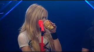 Avril Lavigne - Girlfriend & When you're gone live at Viva (acoustic)