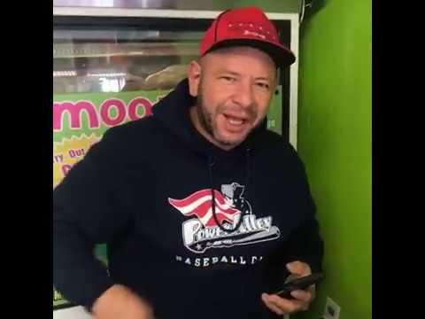 Download El papá del ToroMax desayunando con otro pelon tipo Brazzers con el viejo loquendo de Jugos Azteca
