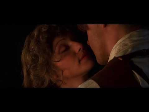 "Evelyn funny scenes - ""The Mummy"" - Rachel Weisz 2/2"