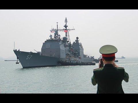 Cận cảnh tàu tuần dương USS Lake Champlain hộ tống tàu sân bay USS Carl Vinson