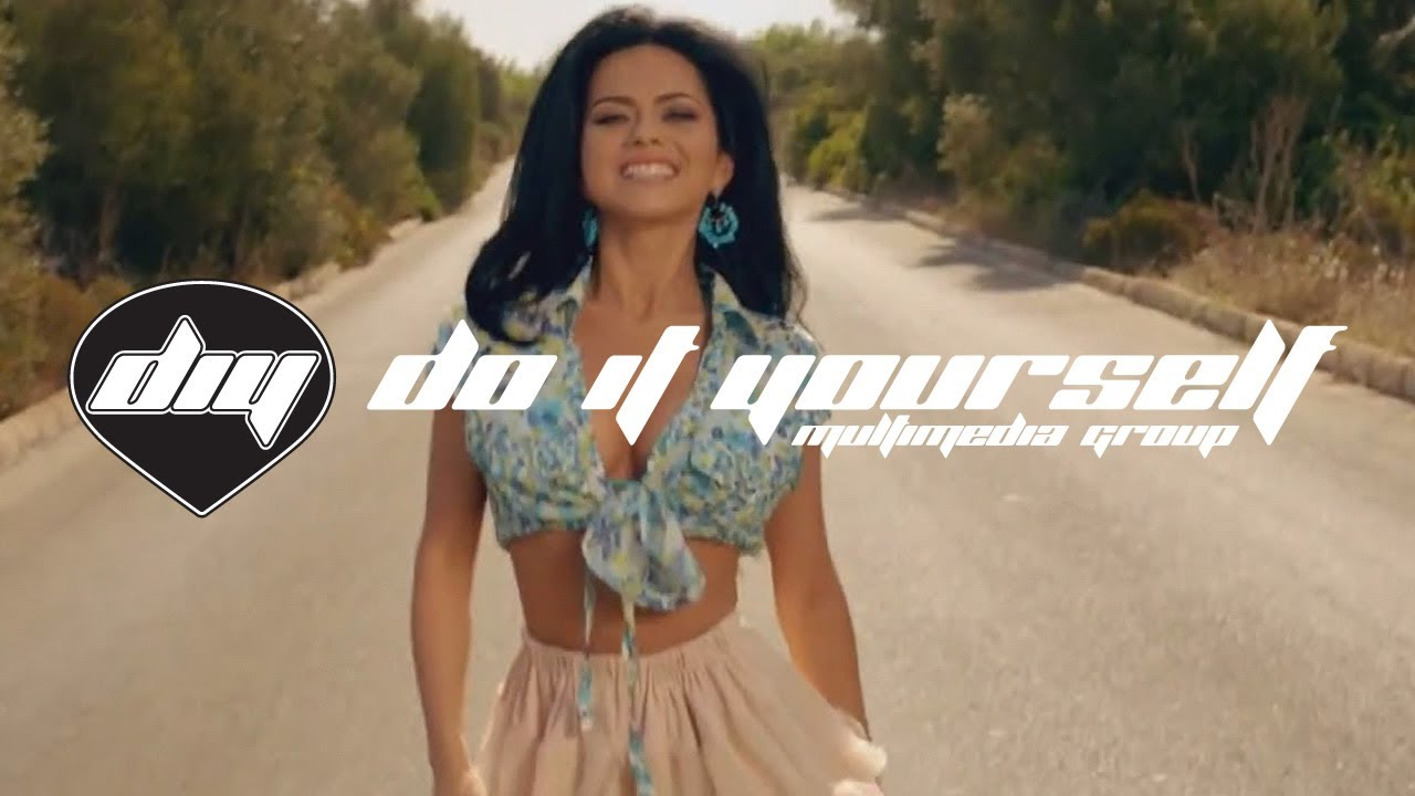 INNA - Un Momento feat. Juan Magan (Official video HD)