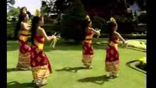 Video Tari Pendet dari Bali Indonesia download MP3, 3GP, MP4, WEBM, AVI, FLV Oktober 2018
