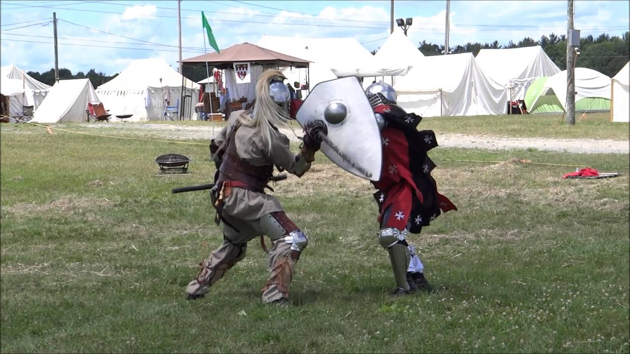 Knight Fight at SCA Fair